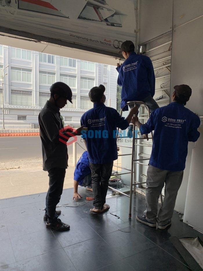 thi công sửa chữa showroom